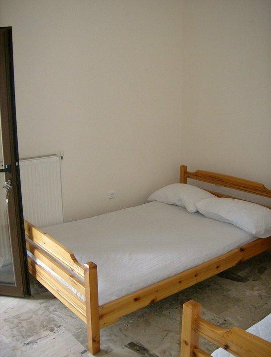 spavaca-soba-prva-ulazna-vrata-u-apt-1