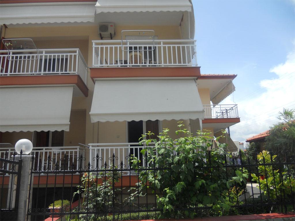 nea-vrasna-hrisula-balkoni