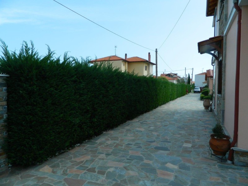 vila-christina-village-luxury-prilaz