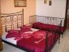 vila-tasos-nea-vrasna-roze-kreveti